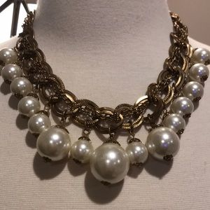 Fab and vintage pearl drop necklace